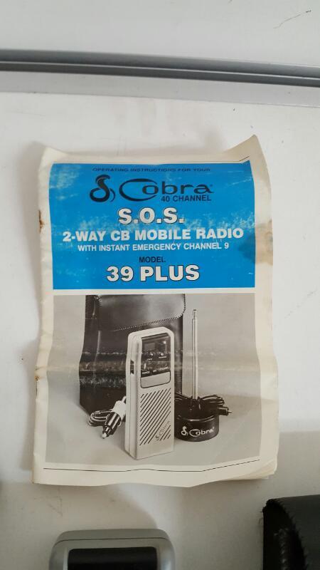 Cobra 39 Plus 40-channel SOS 2-way mobile CB Radio KIT