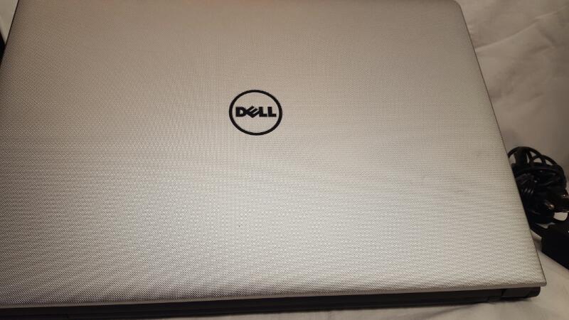 Dell Inspiron 15 5559 Laptop (Core i3 6th Gen/4 GB/1 TB/Windows 10