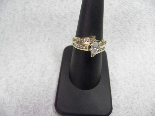 Lady's Diamond Fashion Ring 29 Diamonds 1.34 Carat T.W. 14K Yellow Gold 6.62g