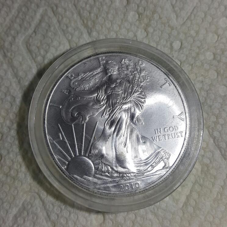 2010 Walking Liberty Silver Dollar - 1 Oz Fine Silver