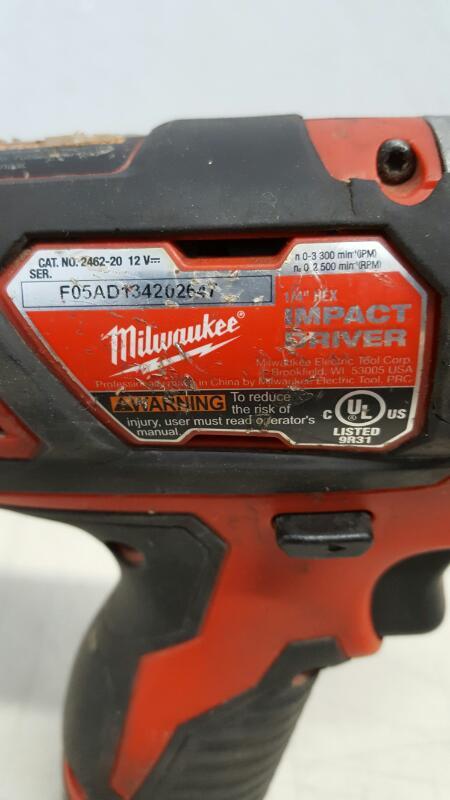 Milwaukee 2462-20 M12 1/4 In. Hex Impact Driver Kit