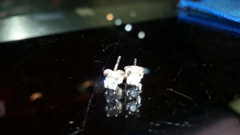 Silver-Diamond Earrings 2 Diamonds .60 Carat T.W. 925 Silver 0.5g