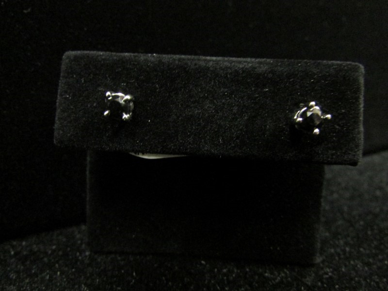 Gold-Diamond Earrings 2 Diamonds .30 Carat T.W. 10K White Gold 0.8g