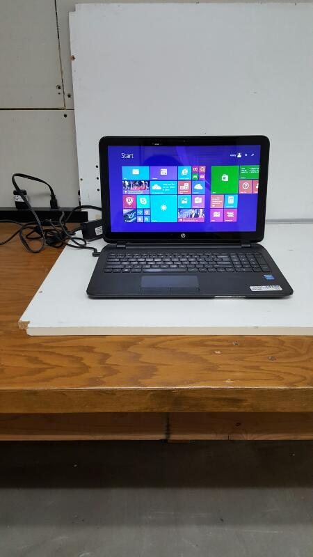 "HP Pavilion 15-f010dx (15.6"" Touch, 500gb, 4gb, Core i3-4010U @ 1.70ghz)"