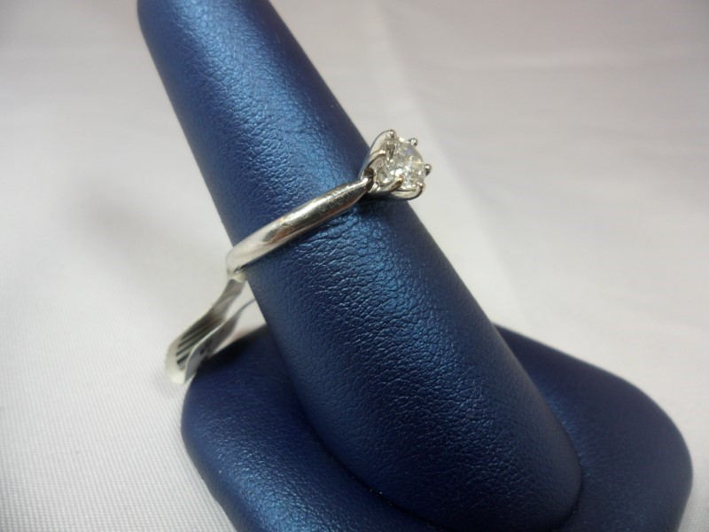 Lady's Diamond Solitaire Ring .30 CT. 14K White Gold 2.5g
