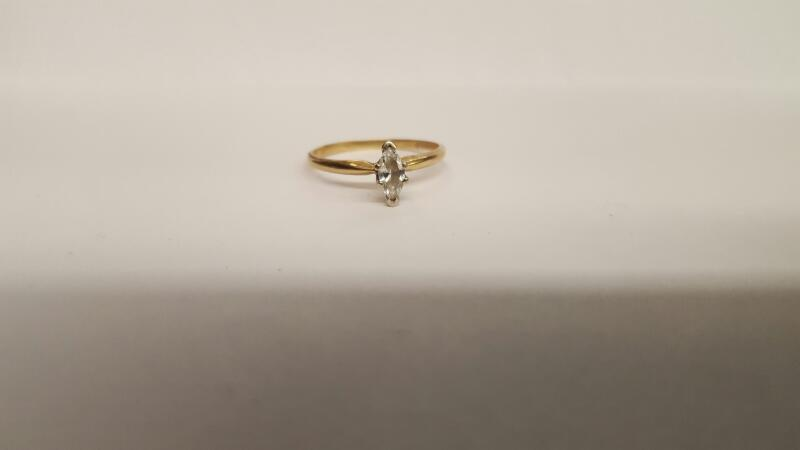 Lady's Diamond Solitaire Ring .25 CT. 14K Yellow Gold 1.75g Size:9