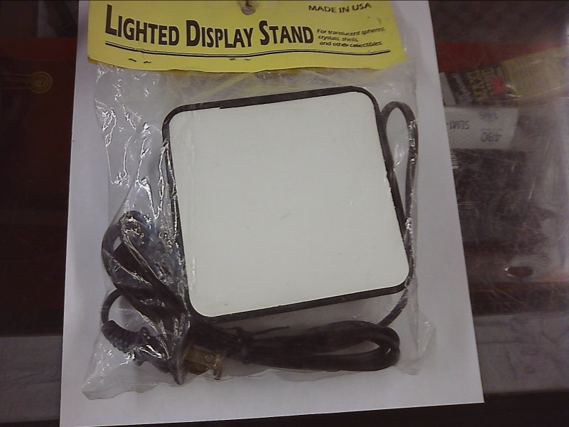 LIGHTING HOUSEHOLD NEW MISC NEW MISC THE CAPROCK LB4; LB4 LIGHTED DISPLAY STAND