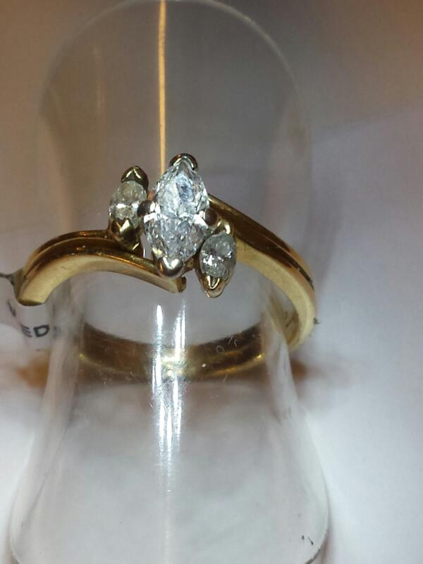 Lady's Diamond Wedding Set 3 Diamonds .50 Carat T.W. 14K Yellow Gold 2.07dwt