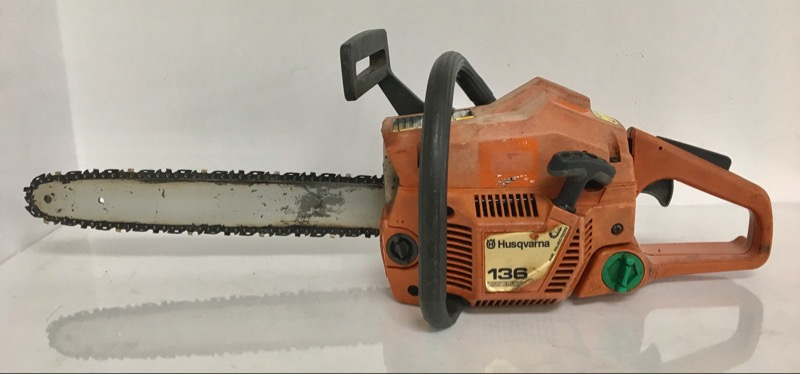 """HUSQVARNA CHAINSAW 136 16"""" BAR, AS-IS. ** IN STORE PICK-UP ONLY **"""
