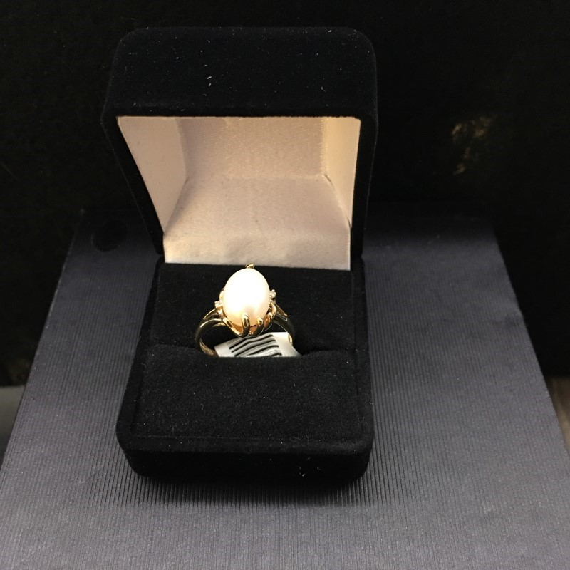 Synthetic Pearl Lady's Stone Ring 14K Yellow Gold 2.15dwt