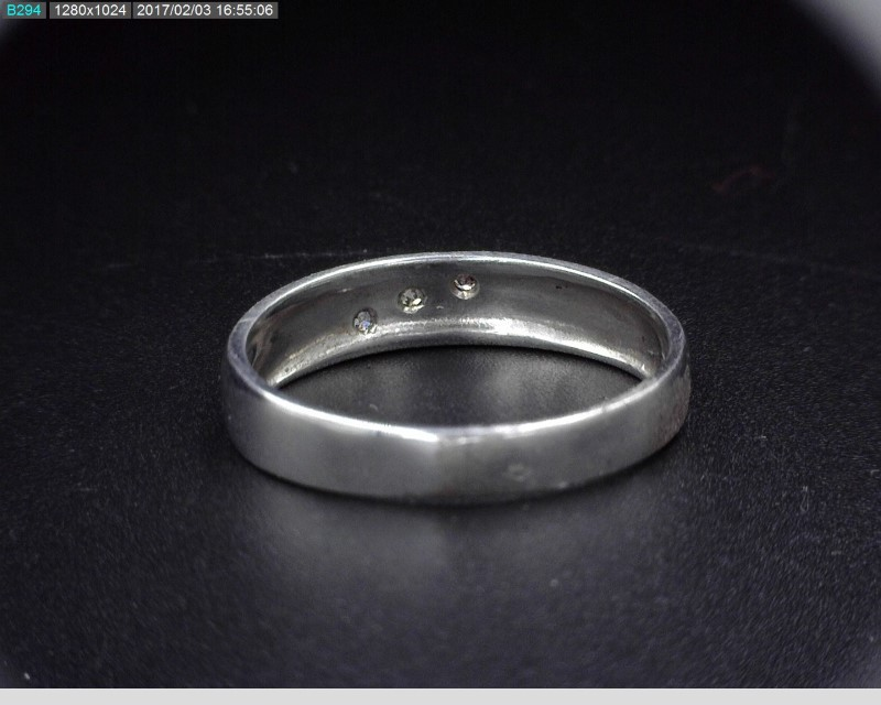 STERLING SILVER BAND W/3 MELEE 1.9G SZ7.75