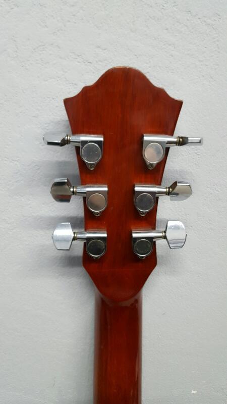Vintage Ventura model V-21 Acoustic Guitar and Case