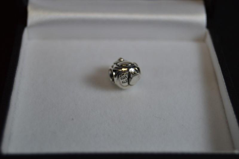 Retired Authentic Pandora Silver Spotty Head Penguin Charm #790423