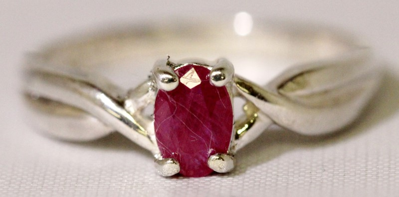 Sterling Silver 4-Prong Set Oval Natural Ruby Solitaire Twisted Shank Ring sz 6