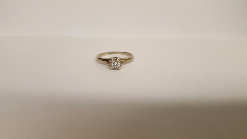 Lady's Diamond Solitaire Ring .33 CT. 10K White Gold 2.28g Size:6.5
