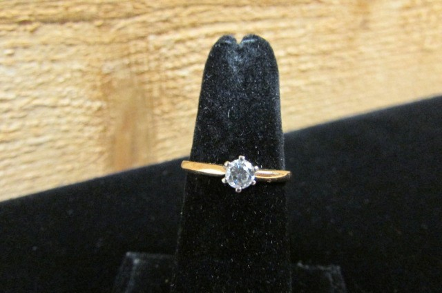 Lady's Diamond Solitaire Ring 0.25 CT. 14K Yellow Gold 1.8g Size:7