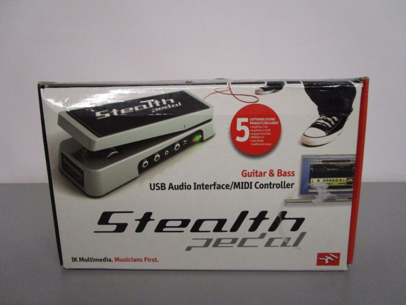 IK MULTIMEDIA STEALTH PEDAL, GUITAR AND BASS USB AUDIO INTERFACE