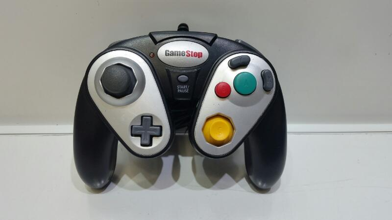 Generic Gamestop Wired Black & Silver Gamecube Controller