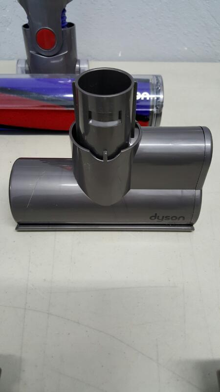 Dyson V6 Absolute Cordless Vacuum - Red/Silver