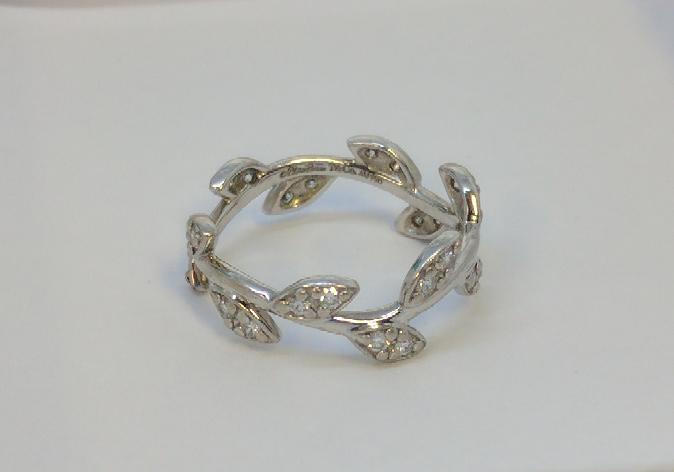 Tiffany & Co. Lady's Diamond Fashion Ring 24 Diamonds .24 Carat T.W.