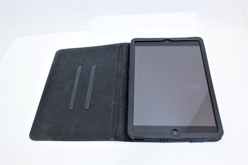 APPLE IPAD MINI MD529LL/A, 32GB, COVER, USB, WALL PLUG