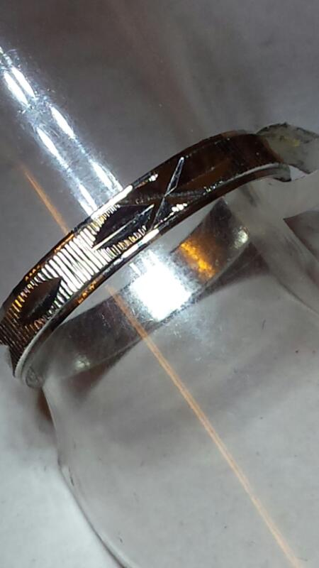 SMALL STERLING RING WITH DIAMOND CUT DESIGN SIZE 6.5