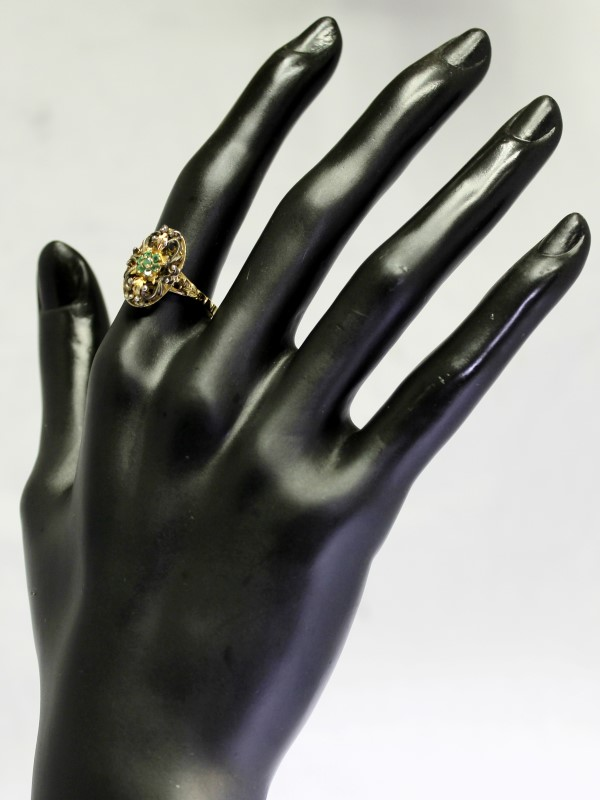 18K Yellow Gold Vintage Insipred Open Leaf Filigree Emerald Cluster Ring Size 8