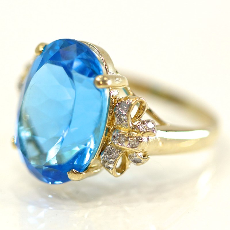 14K Yellow Gold Oval Cut Blue Topaz Ring w/ Diamond Accent Size 8.75