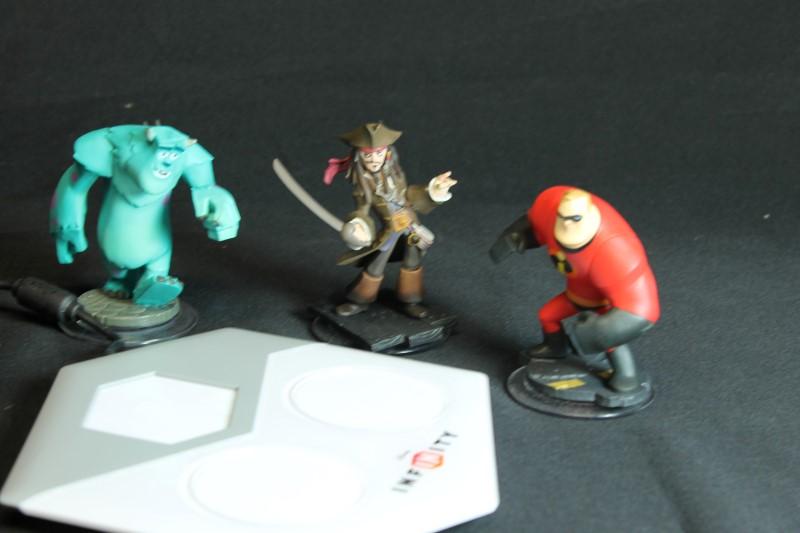 Microsoft Xbox 360 Disney Infinity Starter Set Characters