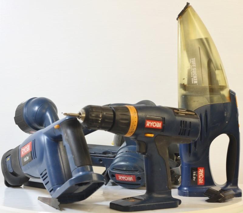 Ryobi Tool Set: Ryobi CLK124 12v Cordless 4 Piece Power Tool Kit 2 X