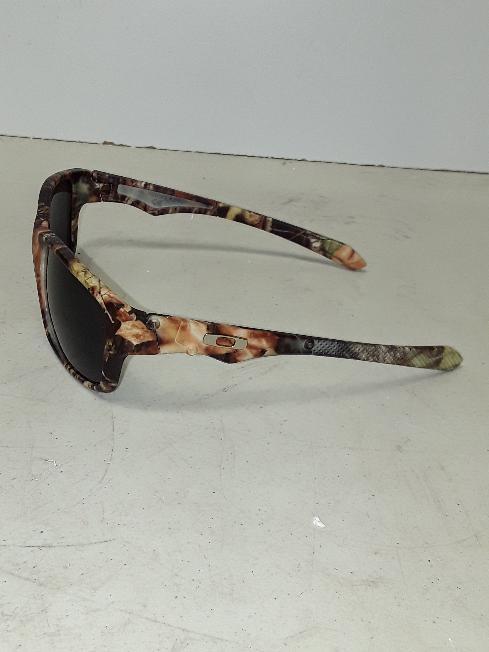 8d3730fc541 OAKLEY Sunglasses JUPITER CARBON  OAKLEY Sunglasses JUPITER CARBON ...