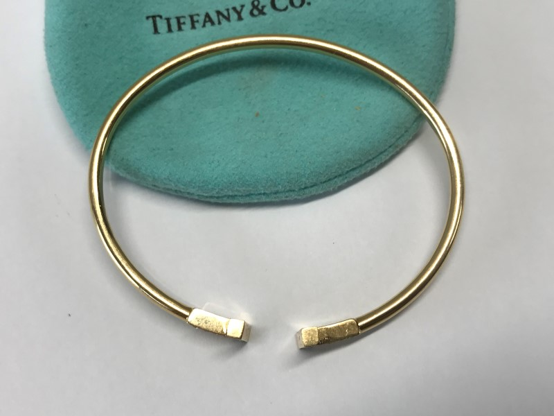 TIFFANY T WIRE Bracelet 18K Fine Gold & Diamonds .22 Carat 8.9g MED ...