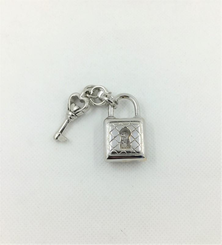 14K White Gold G Key Charm